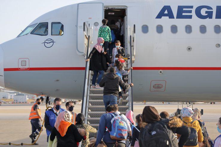 20201016 ΥΜΑ Αναχώρηση 101 αναγνωρισμένων προσφύγων για Γερμανία 02